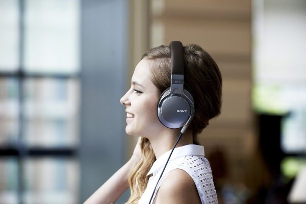 Sony Headset - Prestige Overhead Headphone - Model MDR-1A