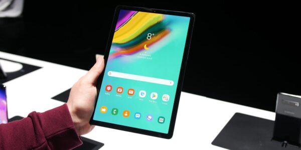 """Samsung Tablet - Galaxy TAB A 10.1"""" 2019   Wifi + 4G"""